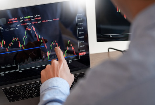 A well-known cryptocurrency trading platform Aroxcapital makes all traders satisfied